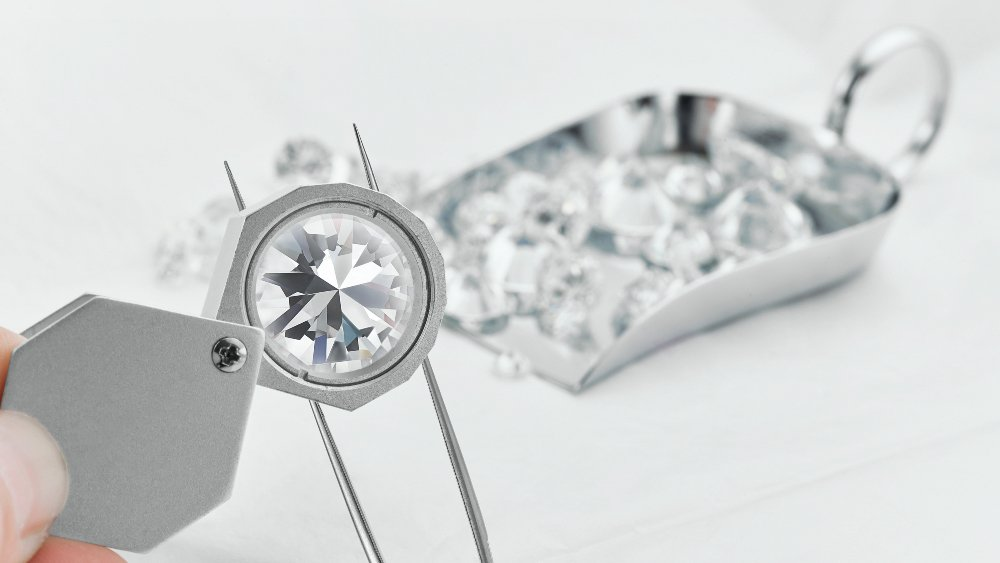 Diamond Clarity: Facts and Tips to Save Money