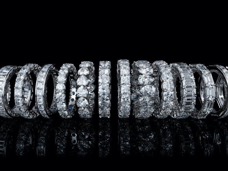 Expert Guide to Buying an Eternity Band | Diamond Buzz