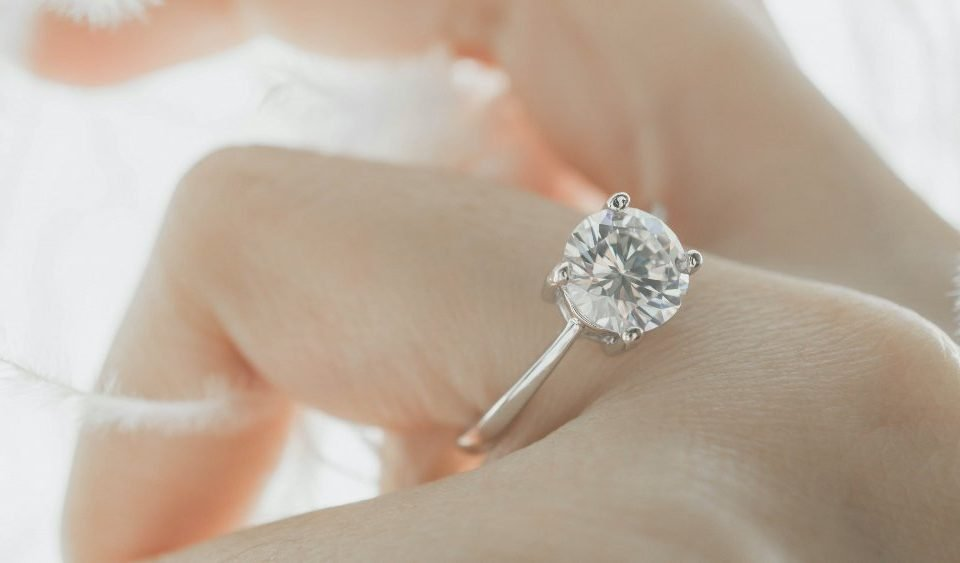 How to Choose a Diamond Solitaire Ring   Diamond Buzz
