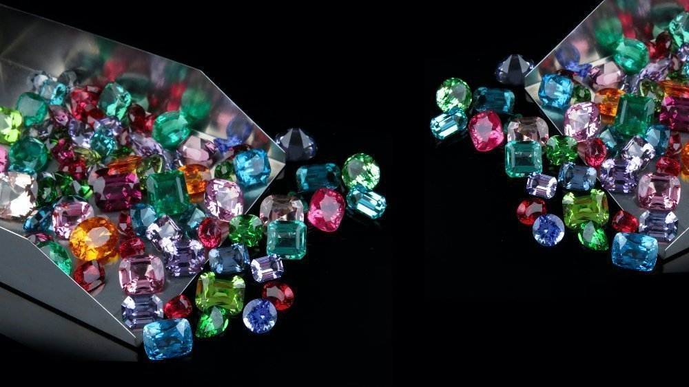 Difference Between Synthetic and Simulated Gemstones