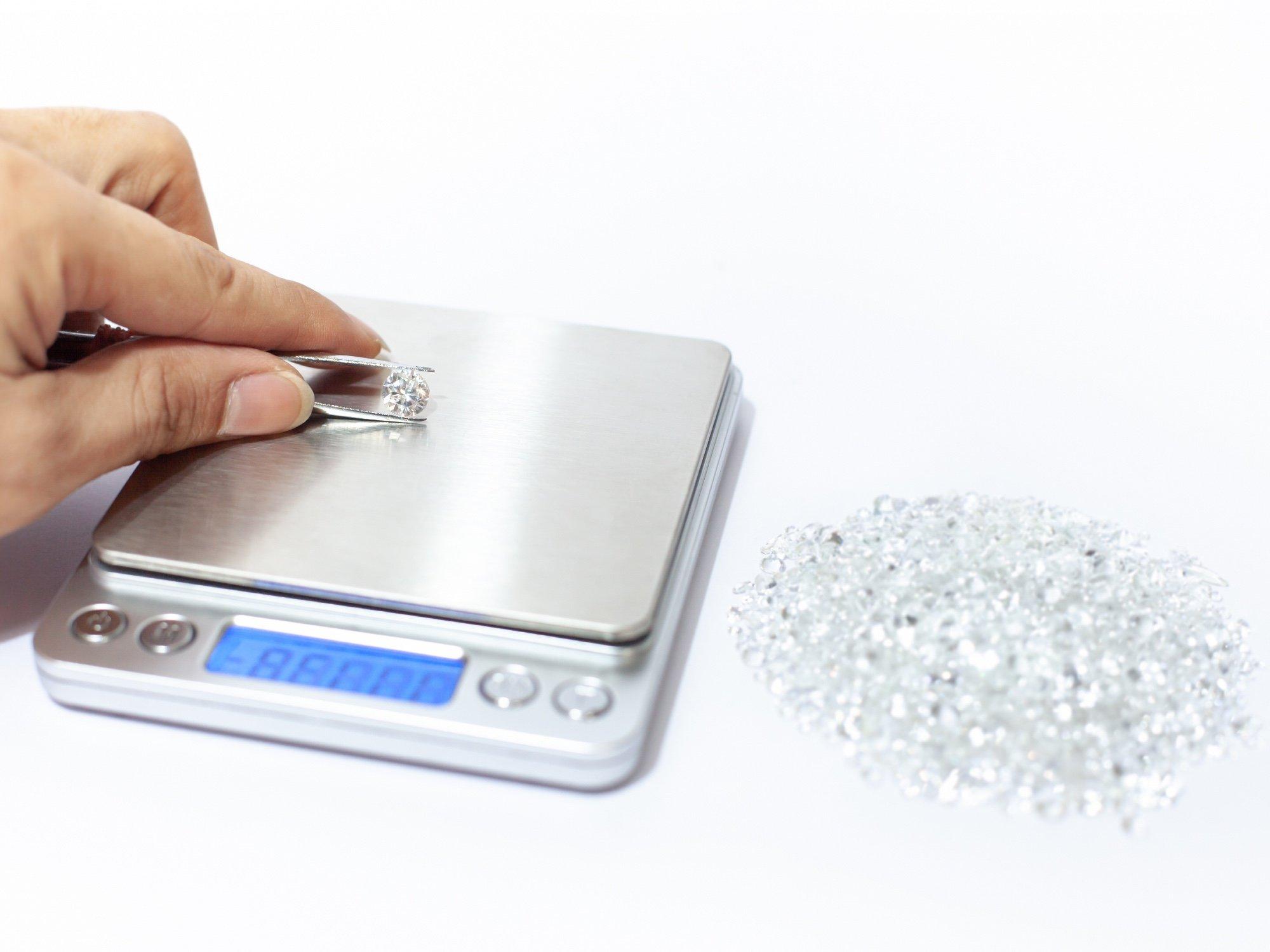 How To Save Money On Diamond Carat Weight | Diamond Buzz