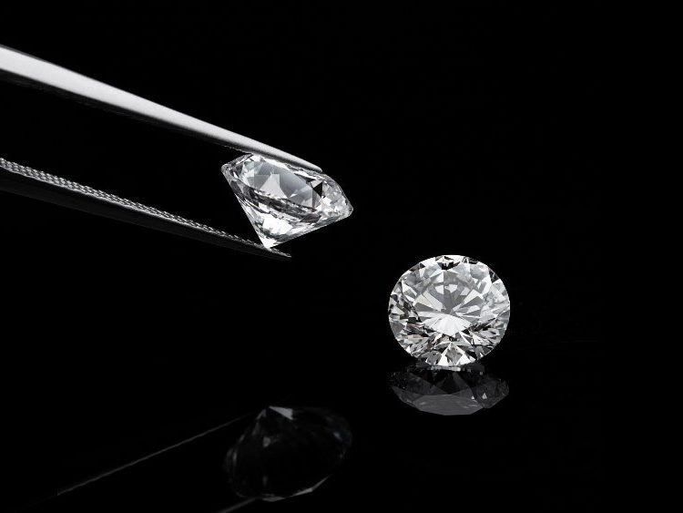 HPHT vs CVD Diamonds: What's The Difference? | Diamond Buzz