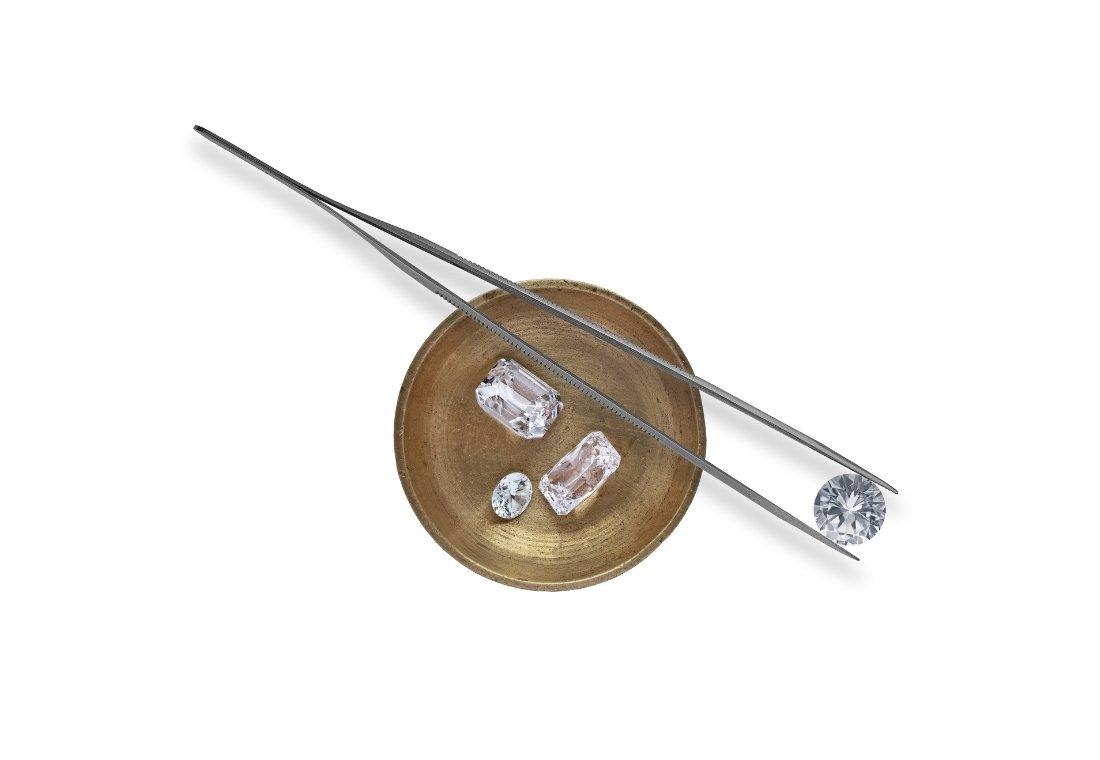 Diamond Vs Cubic Zirconia | Diamond Buzz